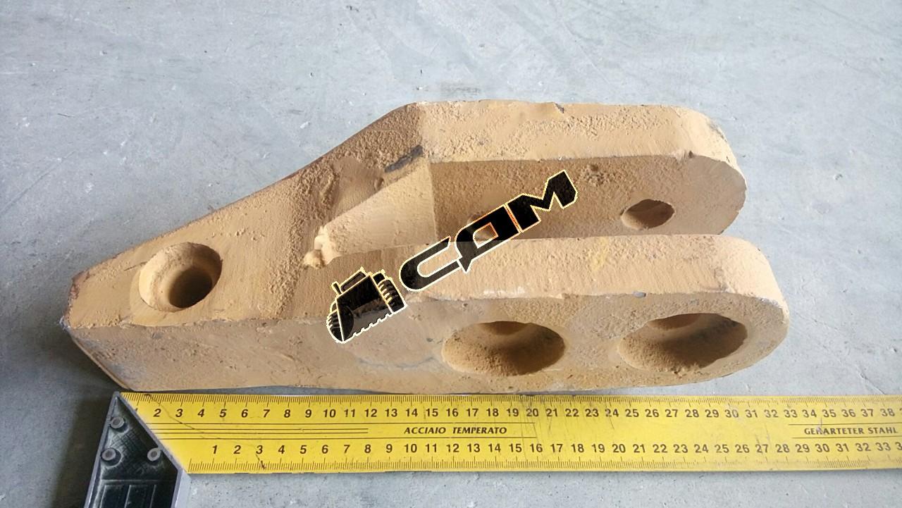 Адаптер наконечника ковша болтовое крепление CDM853 CDM853.11.01-002